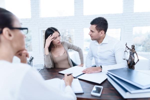 Divorce sans juge: consultez un notaire!